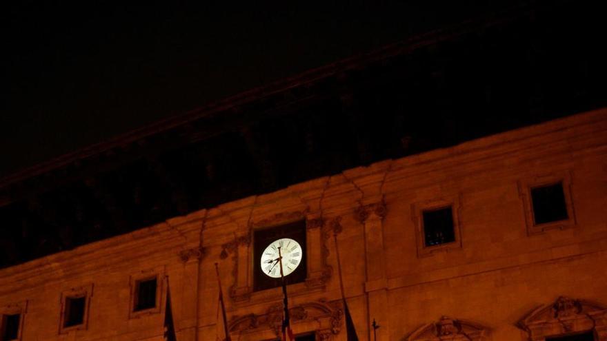 Palma apagará este sábado las luces de edificios públicos en la Hora del Planeta