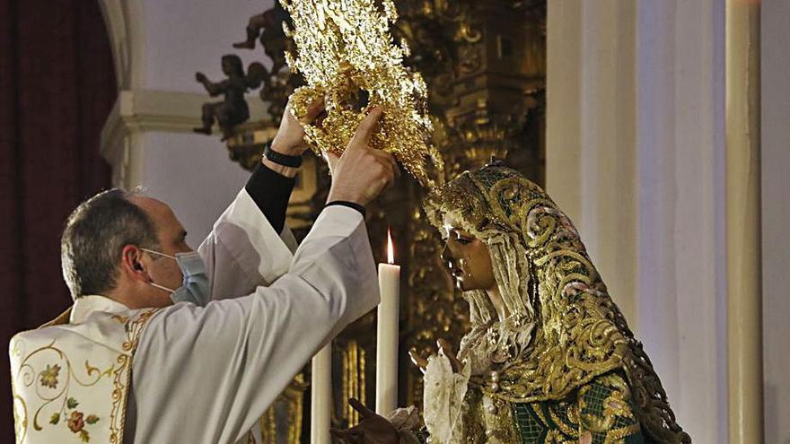 La Virgen de la Esperanza recibe su nueva corona