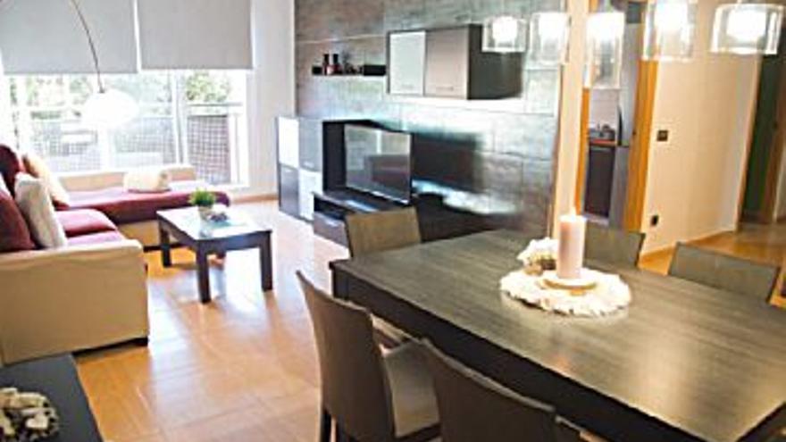 400 € Alquiler de piso en Alquerías del Niño Perdido 80 m2, 3 habitaciones, 2 baños, 5 €/m2, 1 Planta...