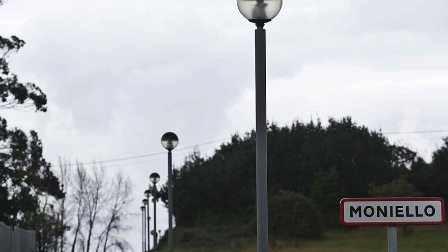 Un particular oferta suelo para habilitar un área de autocaravanas en Moniello