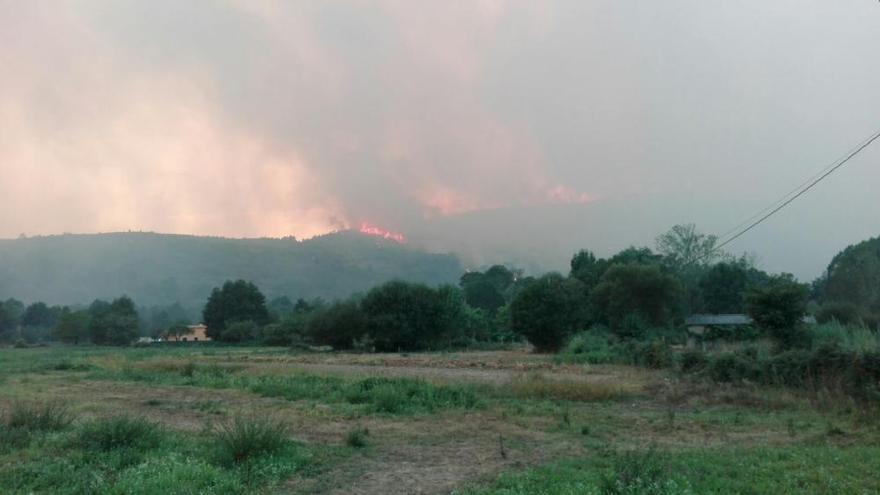 El fuego arrasa 4.000 hectáreas en 36 horas en Ourense