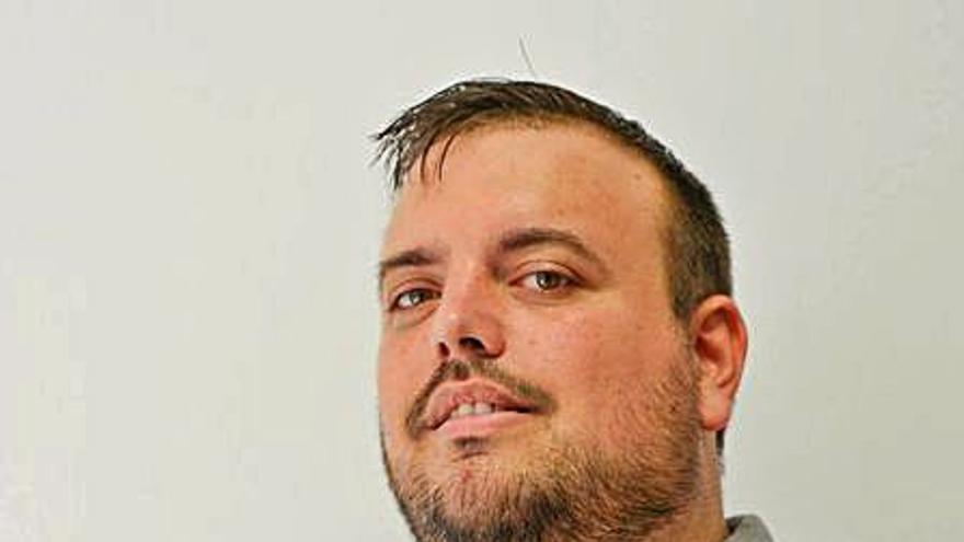 El gandiense Ximo López es elegido nuevo coordinador del colectivo LGTBI de la Safor