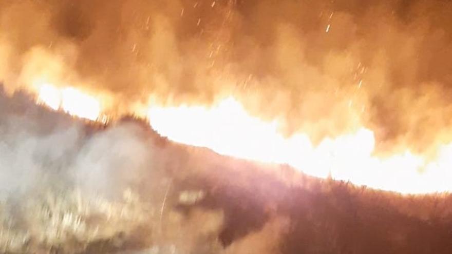 VÍDEO   Incendio intencionado en Puebla de Sanabria