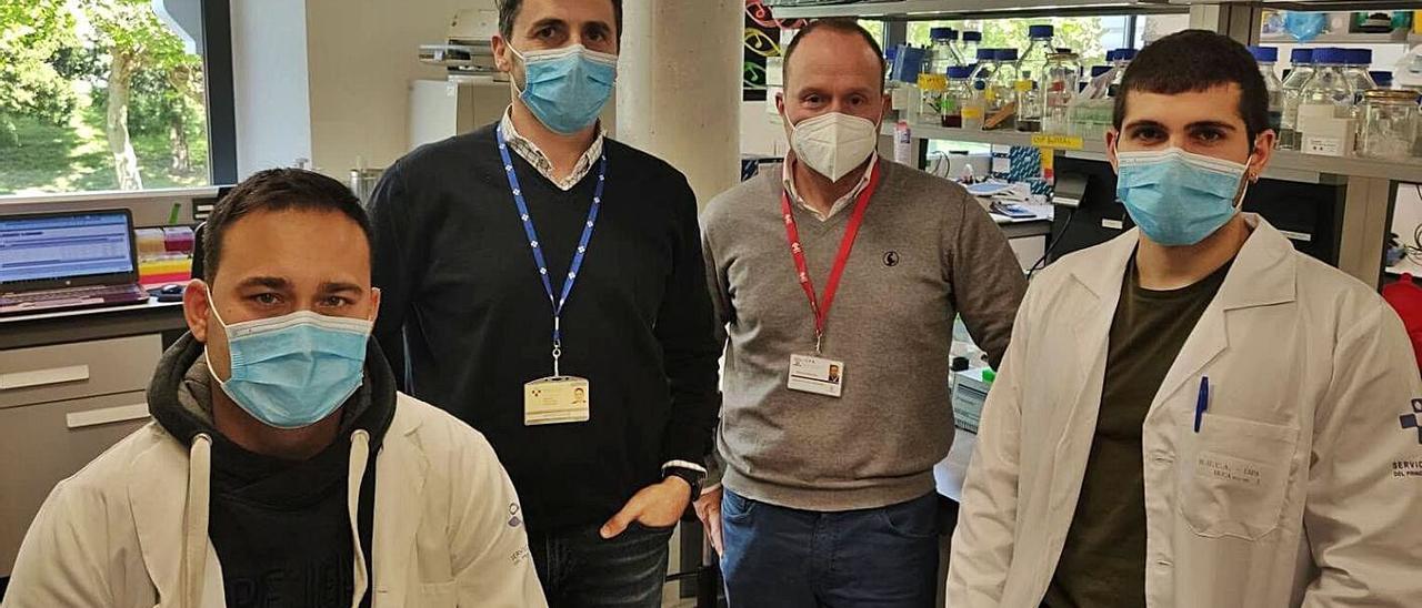 "Juan Ramón Tejedor, Agustín Fernández, Mario Fernández Fraga y Raúl Fernández, autores del artículo en ""Molecular Biology and Evolution"".   CINN"