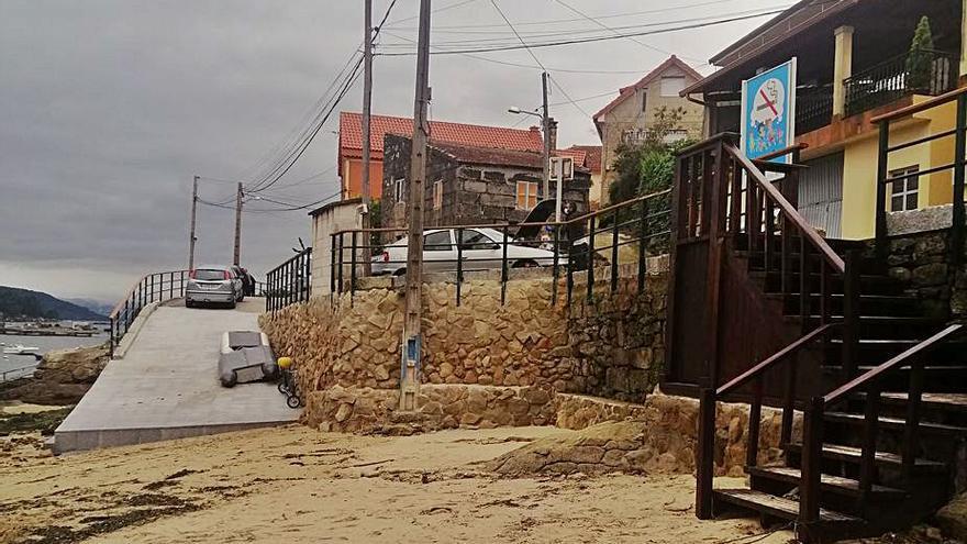 """El PP denuncia """"irregularidades"""" en la reforma de accesos a la playa de Rande"""