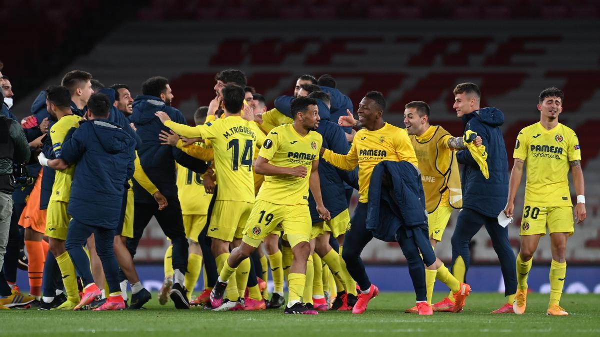La alegría se desató en la plantilla del Villarreal tras lograr el pase a las final de la Europa League.