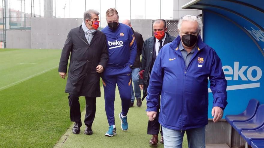 Laporta: «Koeman continuarà sent entrenador del Barça»