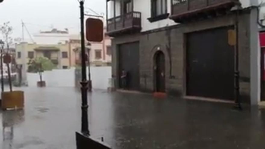 Marzo arranca con chubascos en Canarias