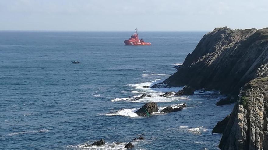 Los GEAS descartan que el cuerpo de la desaparecida en Arnao se encuentre en las rocas donde cayó al mar