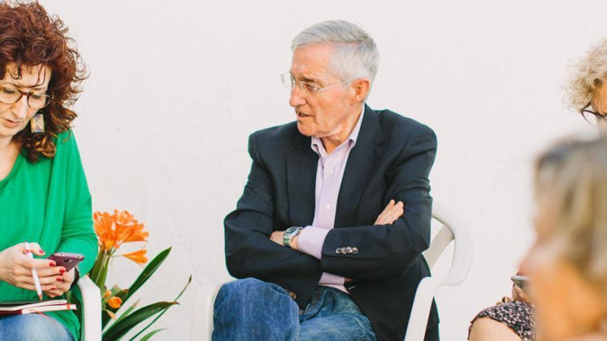Torrent otorga distinciones a la religiosa Rosa Ortí y al profesor Alfred Dominguez
