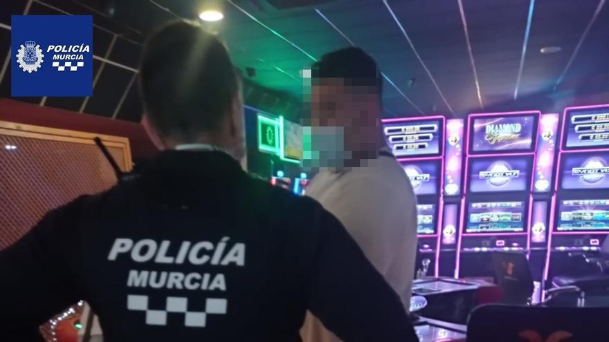 Formulan 21 denuncias en dos salones de juego de Espinardo