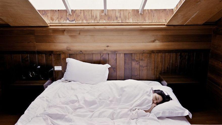 ¿Quieres ganar 1.600 euros solo por dormir?