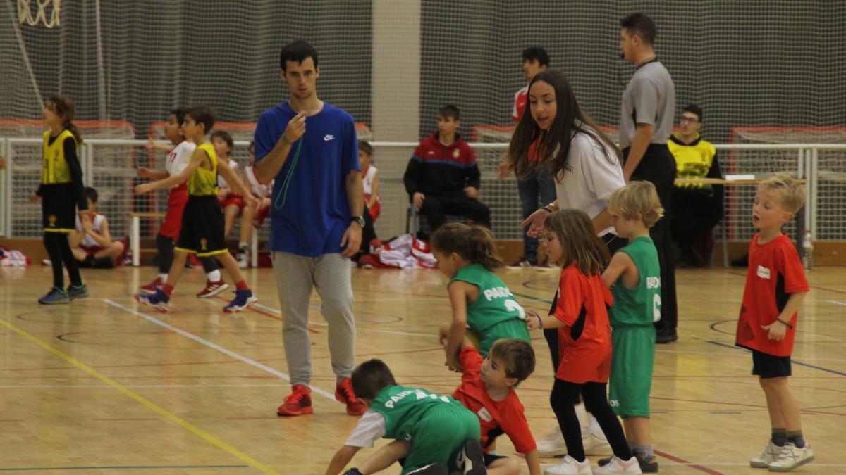 El pavelló d'Artés acollirà joves jugadors durant tot el matí de diumenge