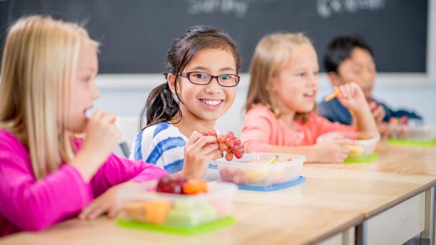 Cinco consejos para hacer un 'tupper' saludable a los más pequeños
