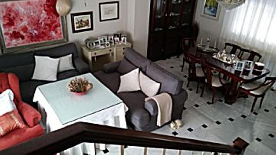 460.000 € Venta de casa en Periurbano - Alcolea, Sta Cruz, Villarubia, Trassierra (Córdoba Capital) 229 m2, 4 habitaciones, 2 baños, 2.009 €/m2...