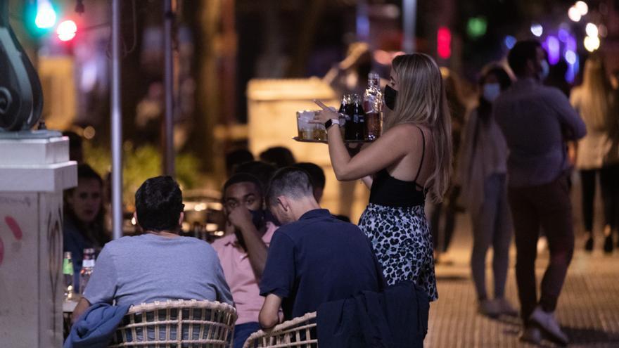 Los hosteleros gallegos reclaman trabajar al 100%, incluido el ocio nocturno