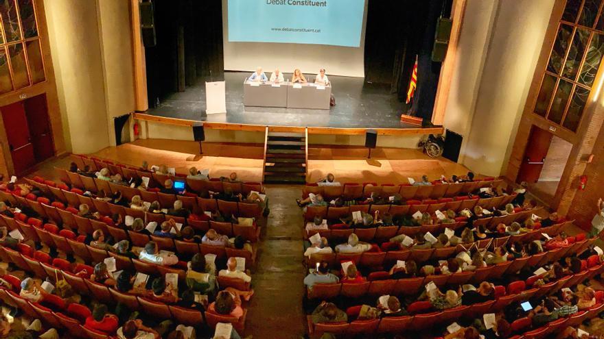 Presentació a Manresa de la fase participativa del Debat Constituent