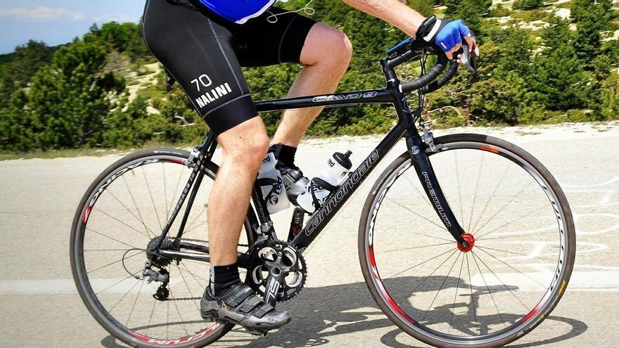 Muere un ciclista tras sufrir una indisposición en Santiago