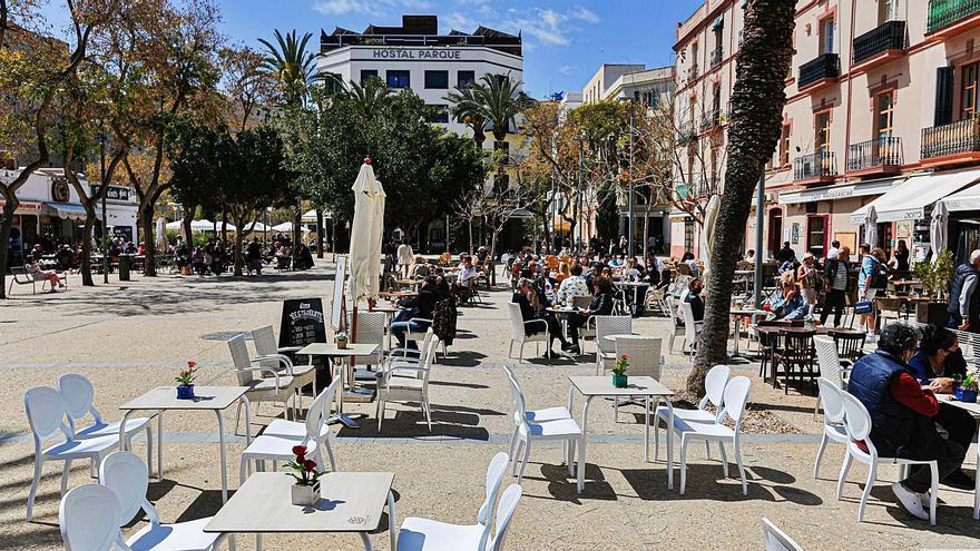 El ritmo de vacunación será clave en la desescalada de las restricciones anticovid en Ibiza