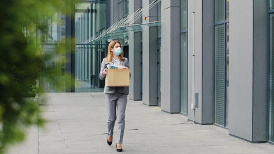 Datos del paro: ¿Por qué afecta más el desempleo a las mujeres y a los jóvenes?
