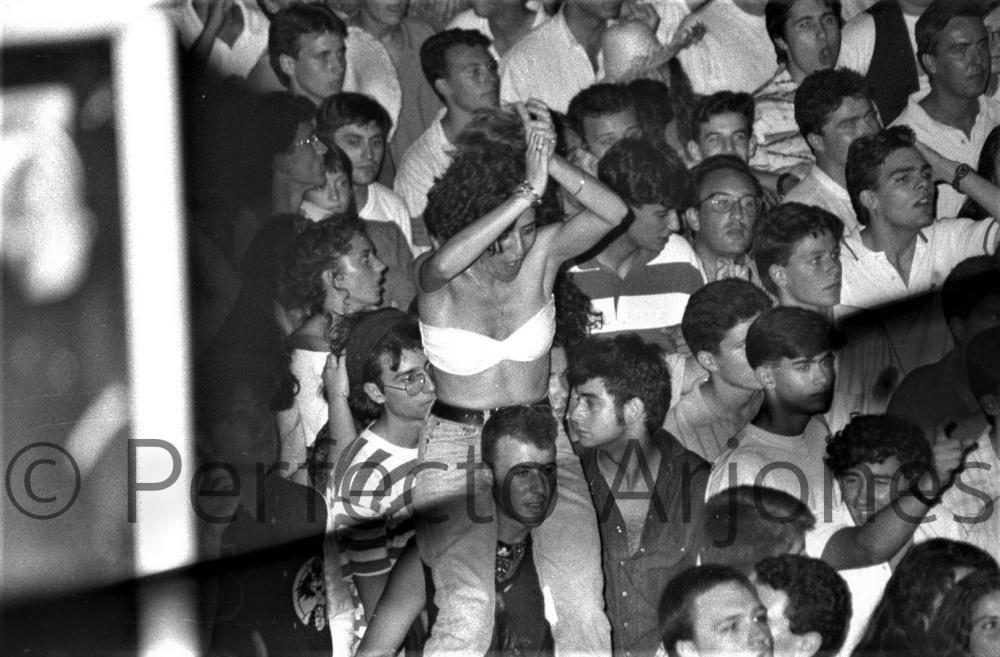 HOGUERAS. 1989