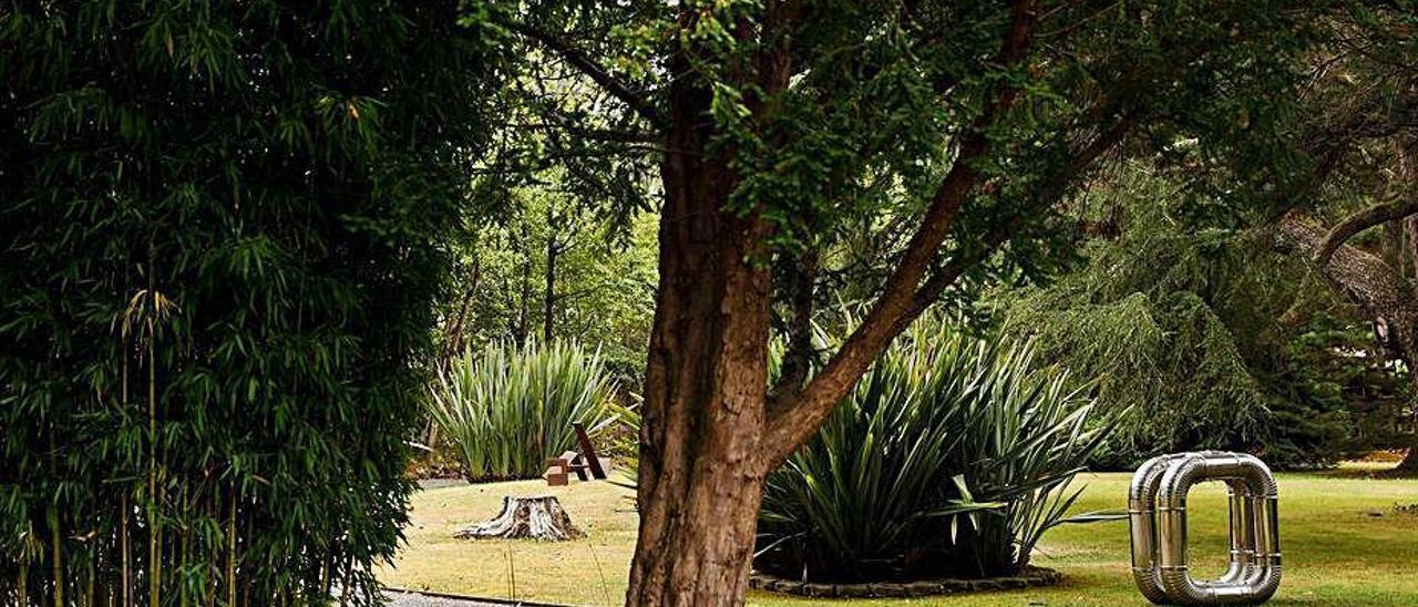 Una estampa de los jardines del museo.