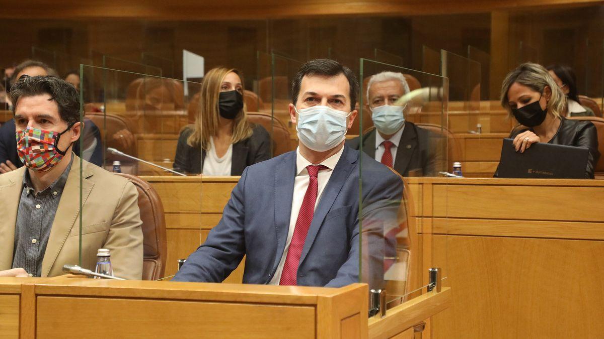 Gonzalo Caballero, antes de intervenir en el debate