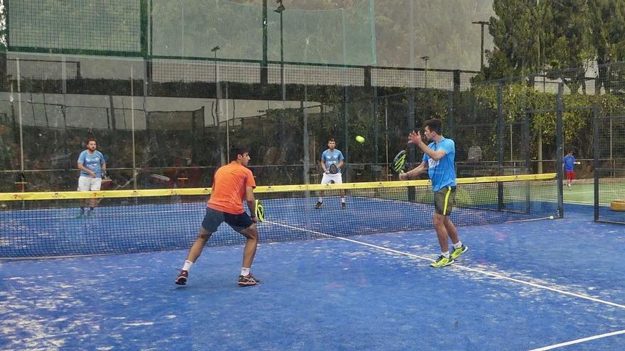 El Club Tennis Figueres acull el primer torneig de Fires de Pàdel