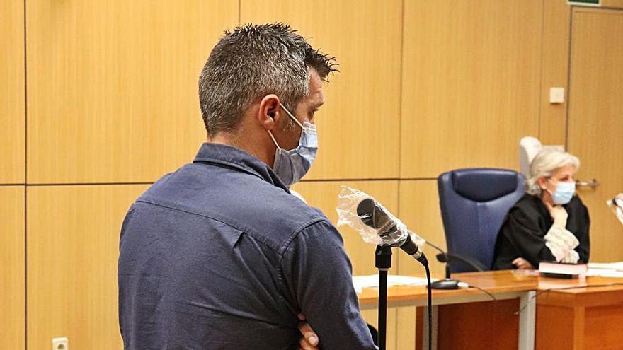 Se enfrenta a 35 años de prisión por maltratar a su mujer y sus cuatro hijos