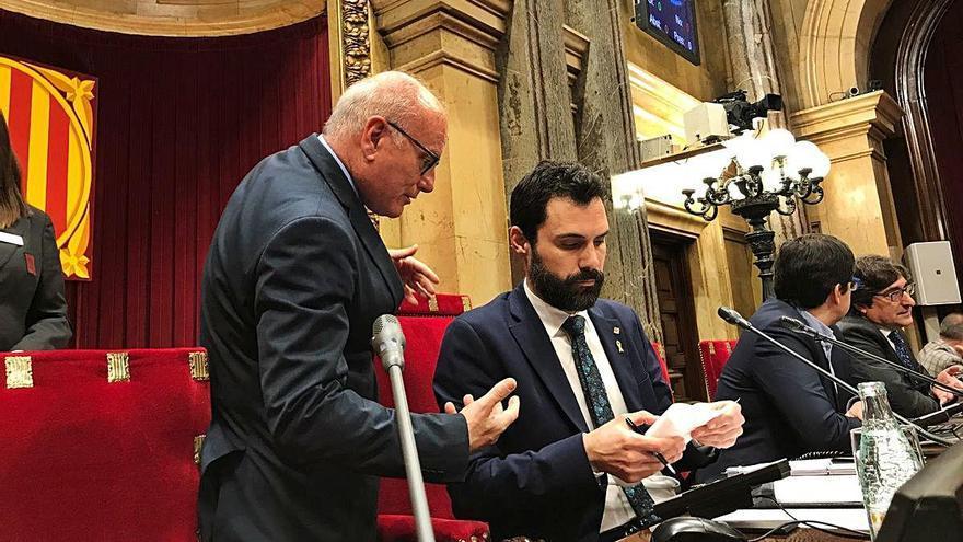 ERC blinda el secretari general del Parlament i deixa sol JxCat