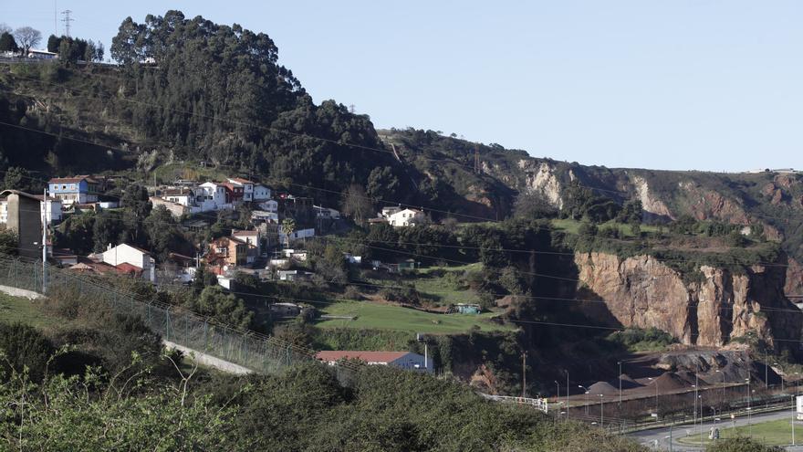 Una carpa de 2.000 metros cuadrados en El Muselín albergará carbón y productos siderúrgicos