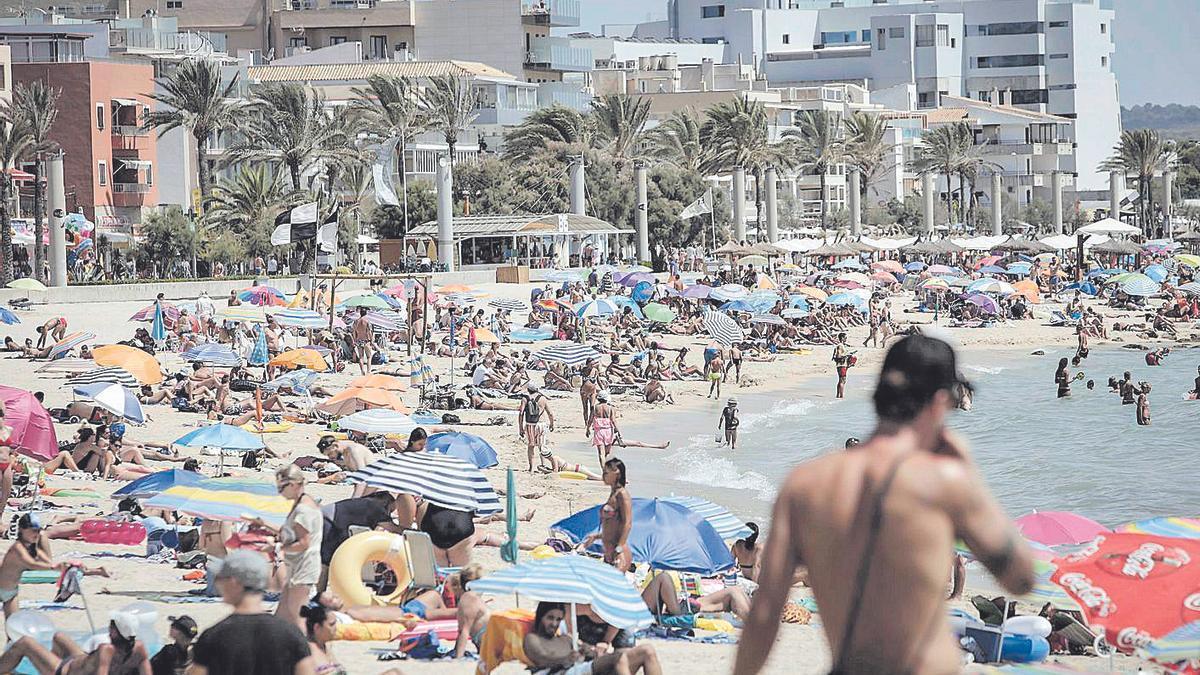 La reactivación del turismo de sol y playa  se apunta como elemento clave de la recuperación balear.