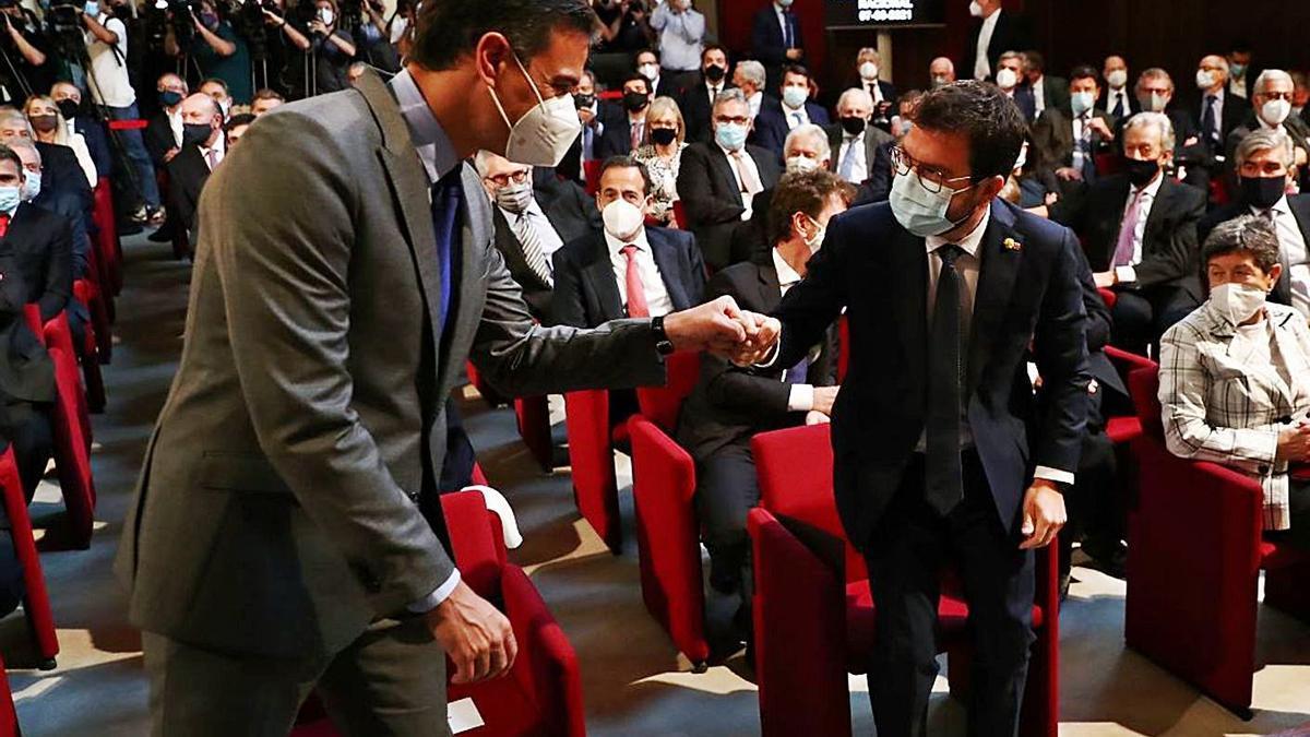 El president espanyol, Pedro Sánchez, i el de la Generalitat, Pere Aragonès, dilluns a Barcelona | ACN