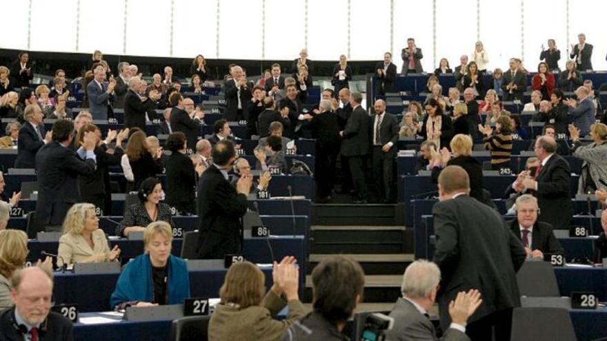 La Eurocámara suspende las acreditaciones a los nuevos diputados españoles