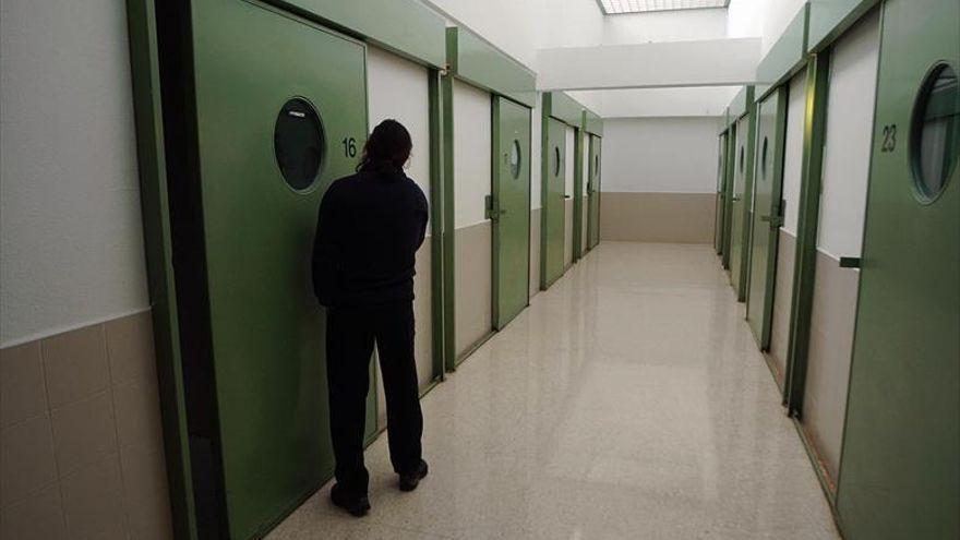 A prisión la mujer que apuñaló a su 'ex' en Zaragoza tras verlo en la cama con otra