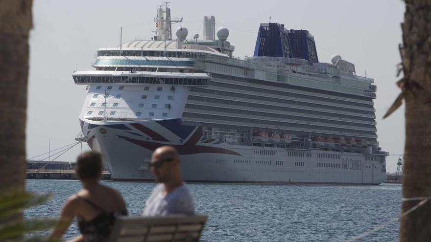 El crucero Britannia llega el jueves con 3.500 turistas