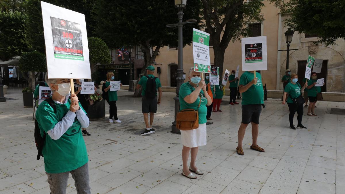 Protesta de la PAH para advertir sobre la oleada de desahucios que se prevé