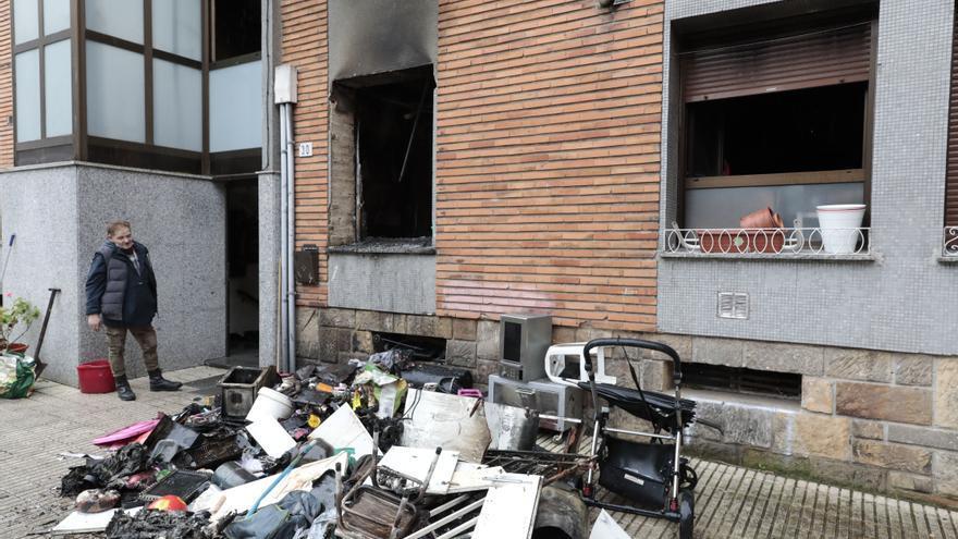 Un vecino de Gijón sin recursos pierde su vivienda tras el incendio de una estufa