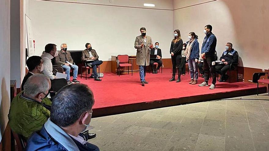 La ONG del campamento de Las Canteras promete aplicar mejoras