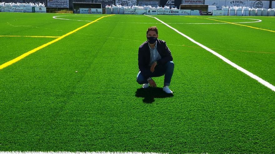 Un campo de fútbol de verdad para Catoira