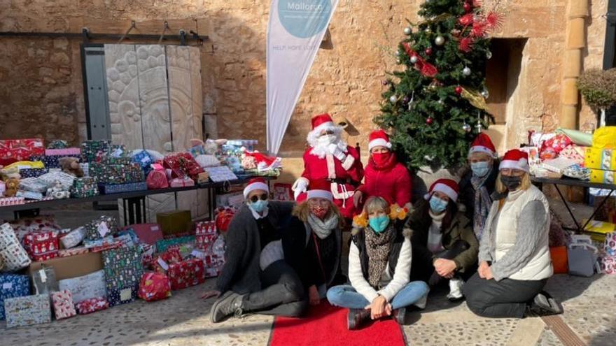 Hope Mallorca verteilt in Santanyí Geschenke an fast 400 Kinder
