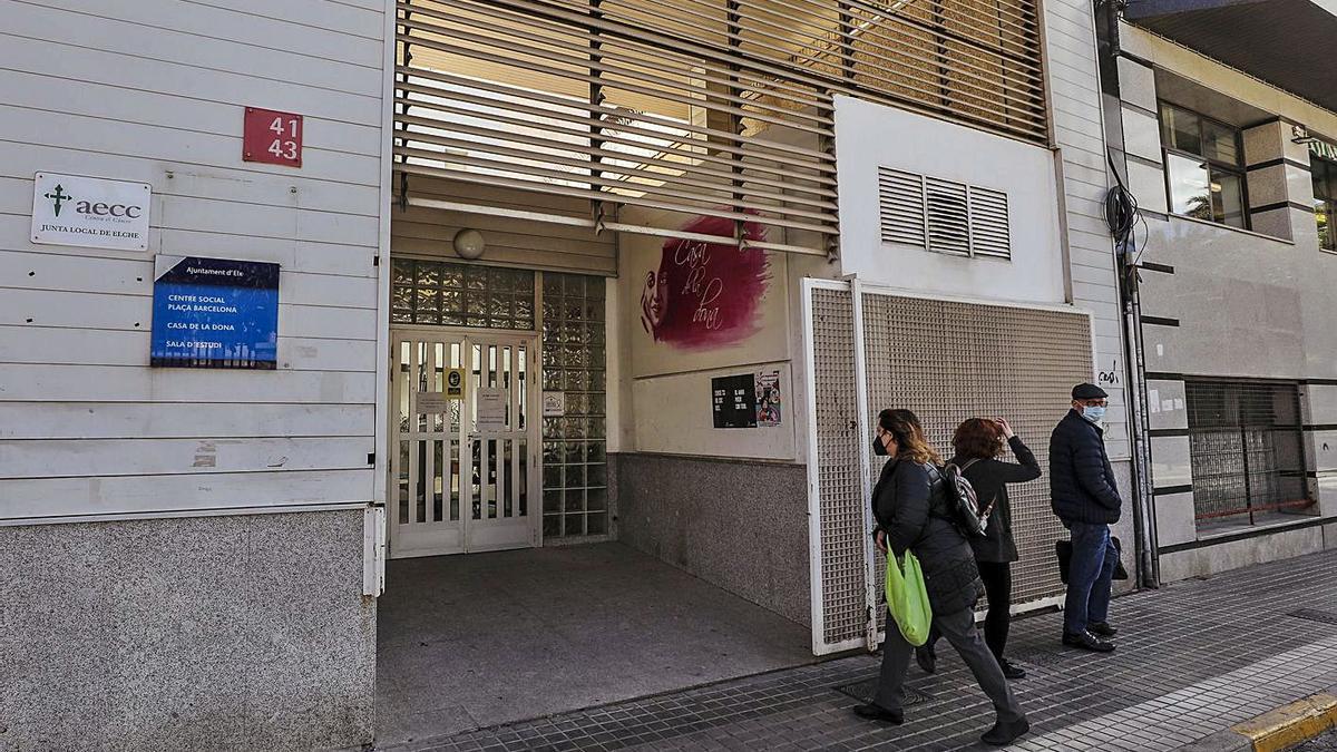 El centro social de la Plaza de Barcelona, donde ocurrieron los hechos este viernes.