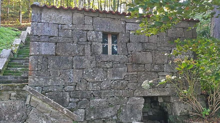 Arranca la mejora del molino del castillo de Soutomaior