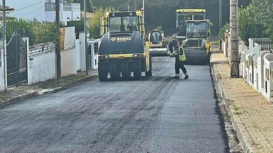 L'Escala comença els treballs de millora de l'asfalt de carrers