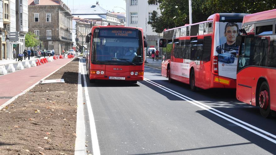 Rúa Nova ya es peatonal y cambia el tráfico en los Cantones