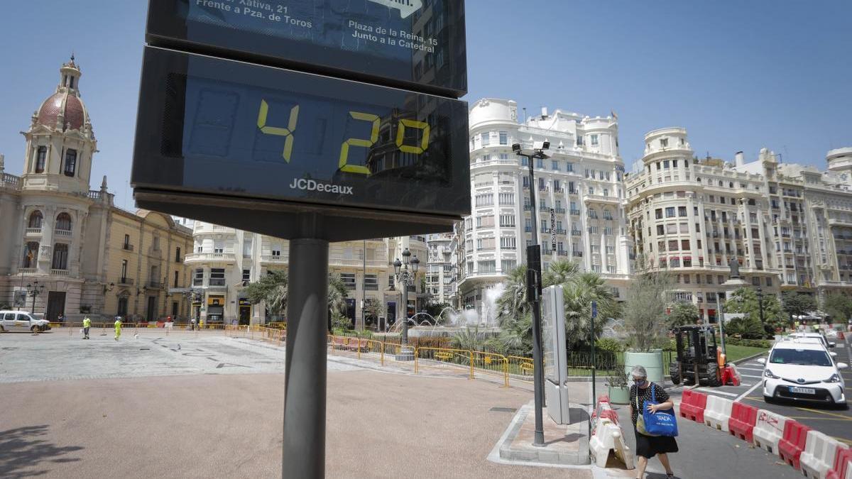 Alerta naranja por la ola de calor africano que llega mañana a Valencia
