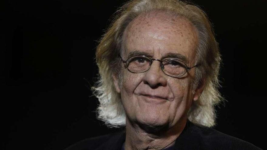 Fallece Luis Eduardo Aute, el cantautor que pintaba himnos y versos de amor