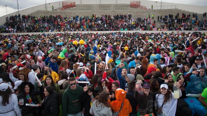 El auditorio Ruta de la Plata  de Zamora reúne hoy a miles de jóvenes en la Politecparty