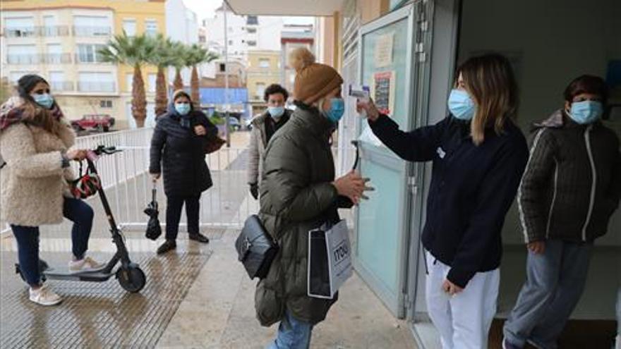 Los grandes municipios de Castellón logran estabilizar los contagios