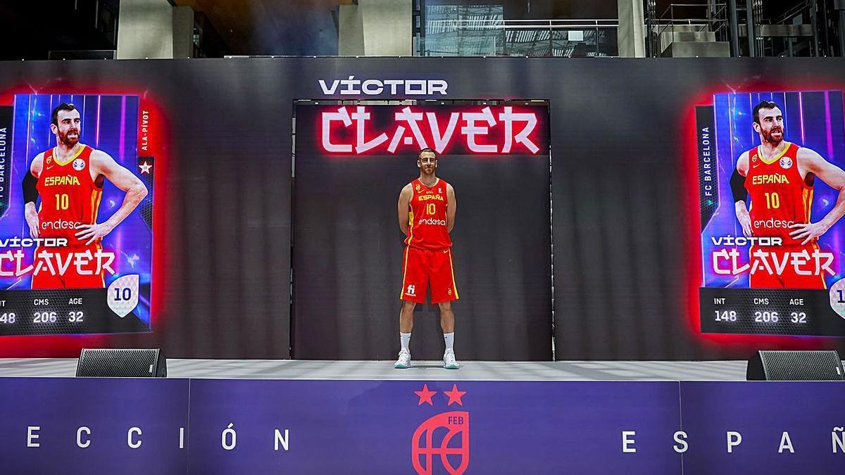 Presentación de Víctor Claver con la selección española en el Auditorio de la sede de Endesa   FEB